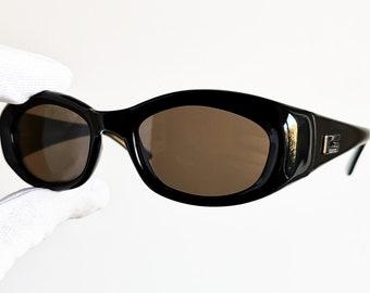 7aadff91d5d GUCCI vintage SUNGLASSES rare black oval palladium made in Italy GG2432 S  frame supreme wrap wraparound spectacle gosha york 90s