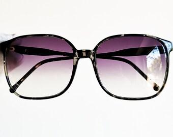 779aba551fa0d BURBERRYS vintage Sunglasses rare black square mask caravan tortoise gray  frame made in Italy Tupac Migos Rihanna new purple lenses 90s