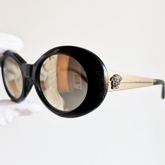 VERSACE lunettes de soleil rare noir ovale or vintage Kurt   Etsy 45e170ce0160