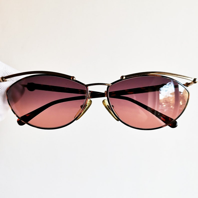 fe5fa460938b5 PALOMA PICASSO vintage sunglasses rare oval gold space age glam festival  supreme Tupac Migos Rihanna 3829 frame new pink purple lens 90s