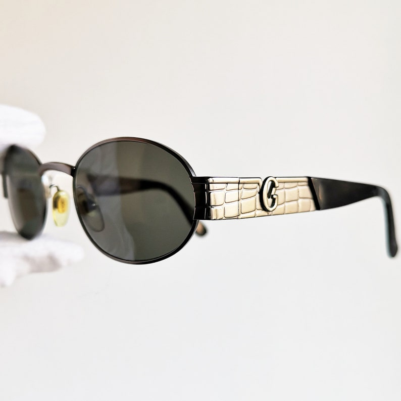 0b1a756bef3 VERSACE vintage SUNGLASSES rare oval S22 black silver