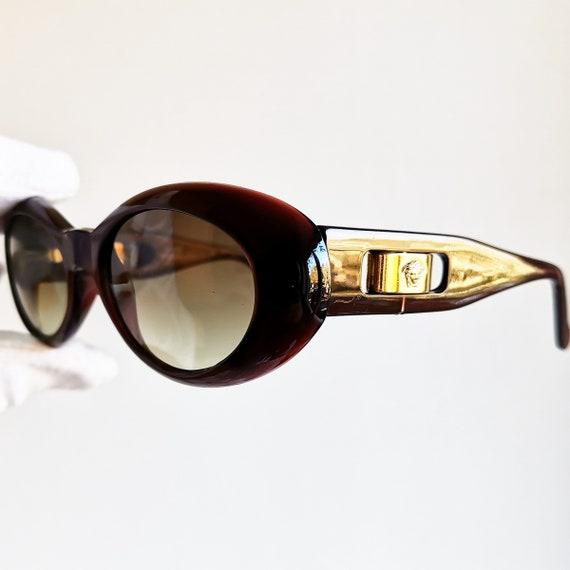 cb1902e48a6a2a VERSACE lunettes de soleil vintage rare 475 A ovale wrap   Etsy