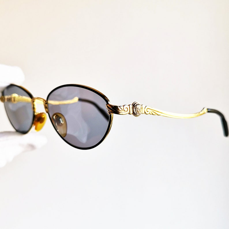 8c9feb56a8cc6 VERSACE small vintage sunglasses rare oval intarsed gold filled plated rim  medusa genuine Gianni G14 tiny Migos Rihanna frame new lenses