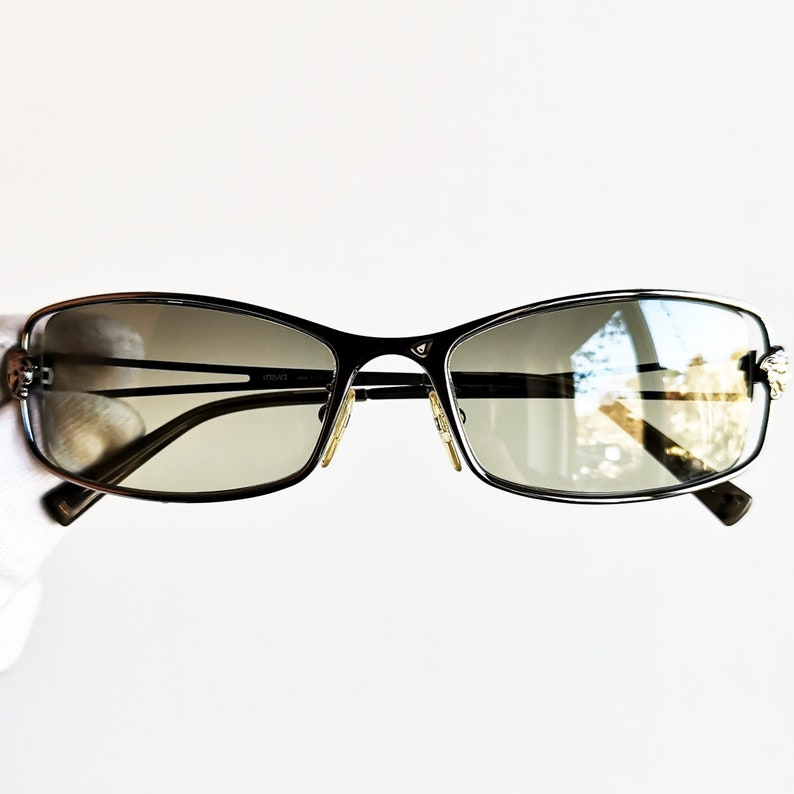e14f837964 VERSACE vintage sunglasses rare medusa oval mask Gianni N55