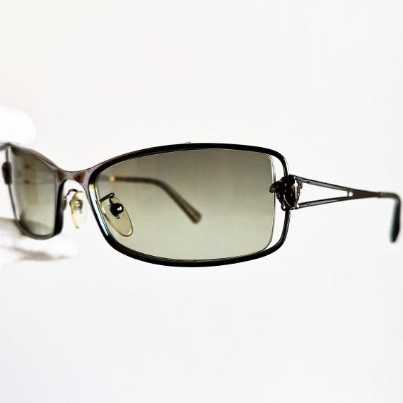 8f4e5c04b8ac VERSACE lunettes de soleil vintage rare méduse masque ovale   Etsy