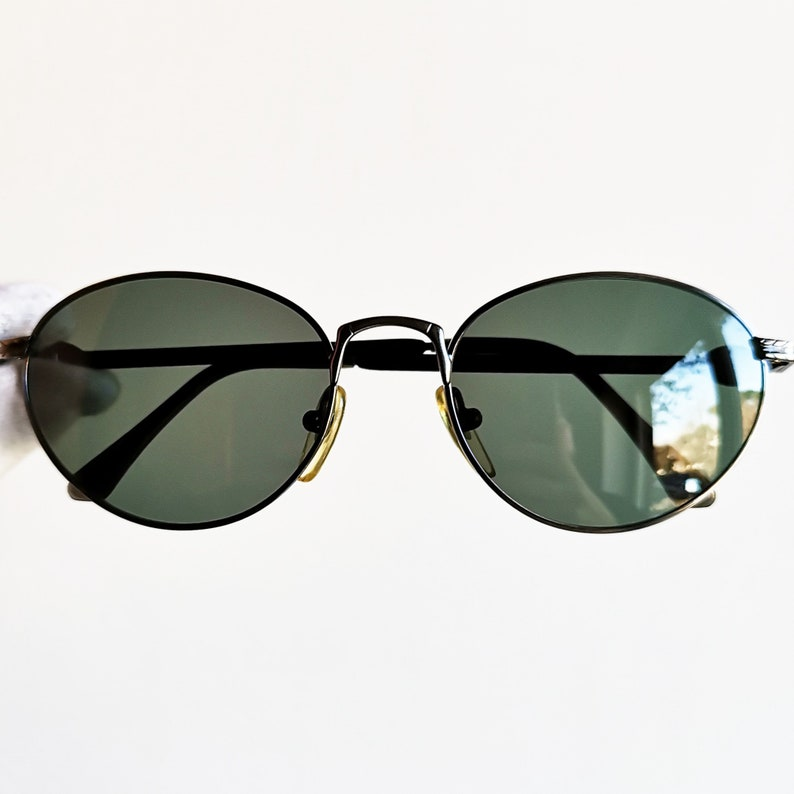ccacaad85c8e VERSACE vintage sunglasses rare round oval Gianni by GENNY