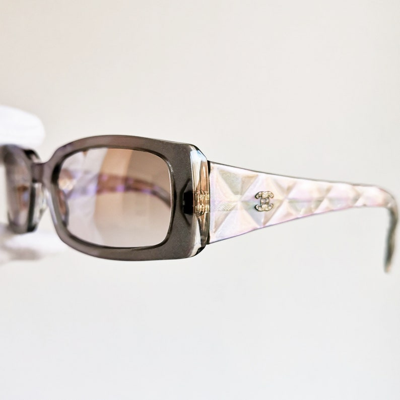 e200ef345c CHANEL vintage Sunglasses rare oval nacre clear mirror lens made in ITALY  5046-B... CHANEL vintage Sunglasses rare oval nacre clear mirror lens made  in ...