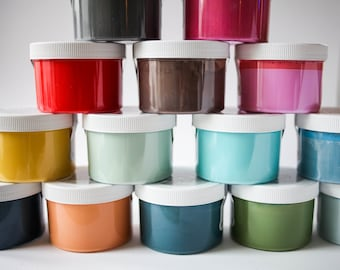 "Amy Howard ""Chinese Red"" One Step Paint Sample Pot"