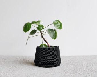 Black Indoor Planter - SAVANNE