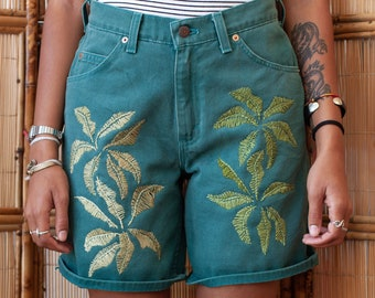Vintage ladies Levis 950 Hand embroidered Palm leaf/hawaiian/banana leaf shorts