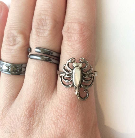 Sterling Silver Scorpion Ring size 8 - vintage 197