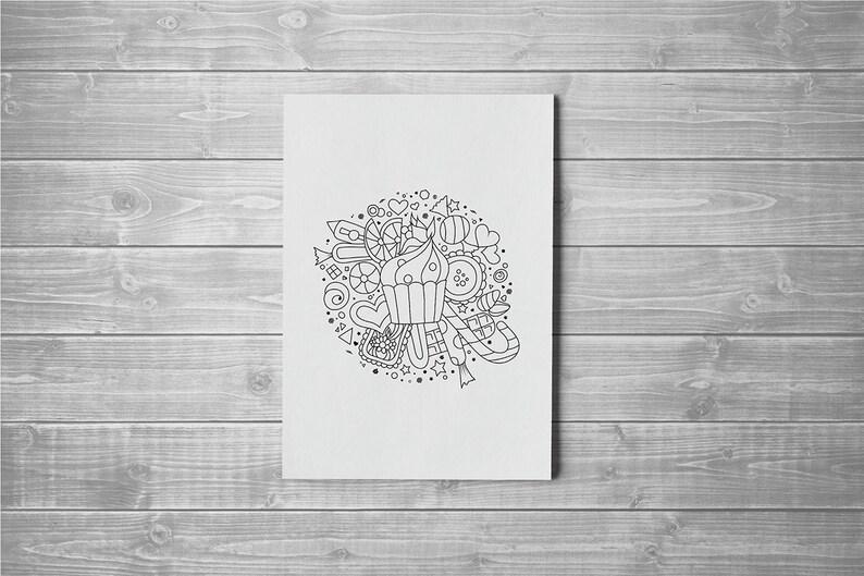 Coloriage Gateau Bonbon.Feuille De Petit Gateau De Coloration Bonbons Coloriage Etsy