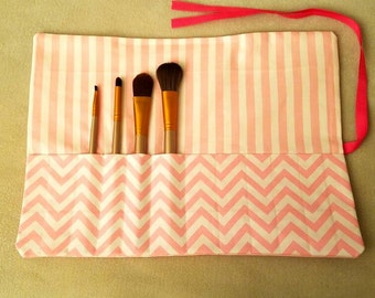 Makeup Brush Roll | Makeup Brush Case | Makeup Brush Holder | Makeup Brush Organizer | Cosmetic Brush Roll | Pink and White Polka-Dot