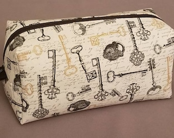Boxy Cosmetic Bag | Boxy Makeup Bag | Women's Toiletry Bag with Lock and Key Details