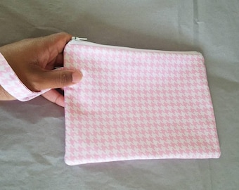 Wristlet Purse | Wristlet Bag in Pink and White Houndstooth Pattern