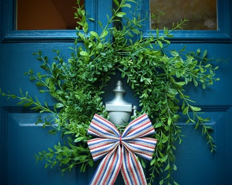 "Small Boxwood Wreath Spring Summer Winter with Bow (10"") on Wire Frame"