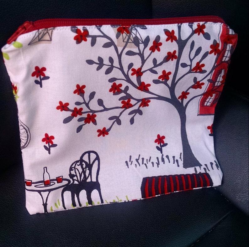 Lined zipper pouch