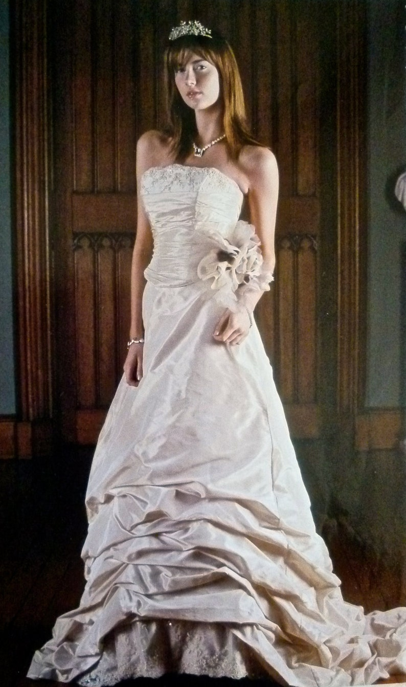 e3fb8a0a87 Vintage Wedding Dress Two Piece Wedding Gown Bridal Lace Up