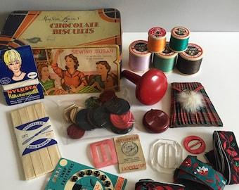Vintage sewing kit, haberdashery in tin.