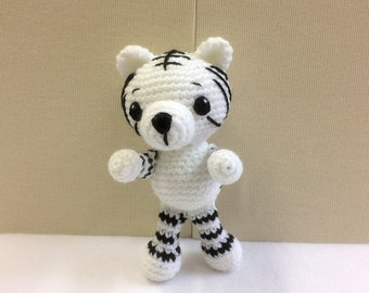 White Tiger Cubs Crochet Afghan Kit-CST-9669 | 270x340