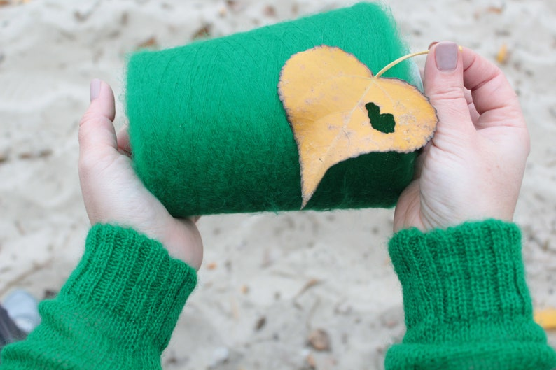 green mohair Kid mohair yarn on cone machine knitting yarn