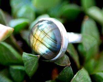 Ethnic Labradorite ring - Sterling silver ring - Rond stone - Handmade ring - Bohemian ring - Ethnic jewelry - boho jewelry