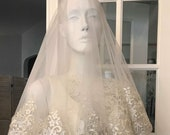 Short Finger tip length beaded drop veil or Mantilla style veil, Wide lace Trim Veil, Unique Veils, Custom Veils, Beaded lace veil