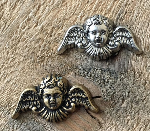 Vintage French Stamping Pendant Finding Cherub Angel Wings Putti Raw Brass 1 Piece 432J