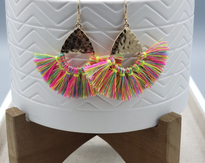 Fluorescent gold hammered earrings