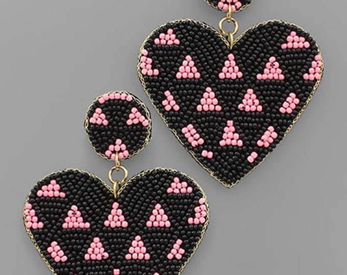 Triangle Pattern Heart Bead Earrings in Black and Pink