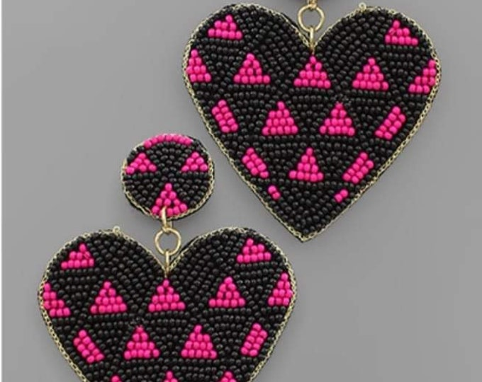 Triangle Pattern Heart Bead Earrings in Black and Fushsia