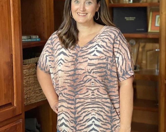 Oversized Tiger stripe top with pocket