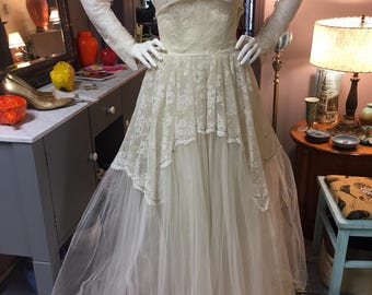ea74c4212e4 Fabulous vintage wedding dress lace tool satin beaded lace button jacket  prom formal dress cream off white strapless
