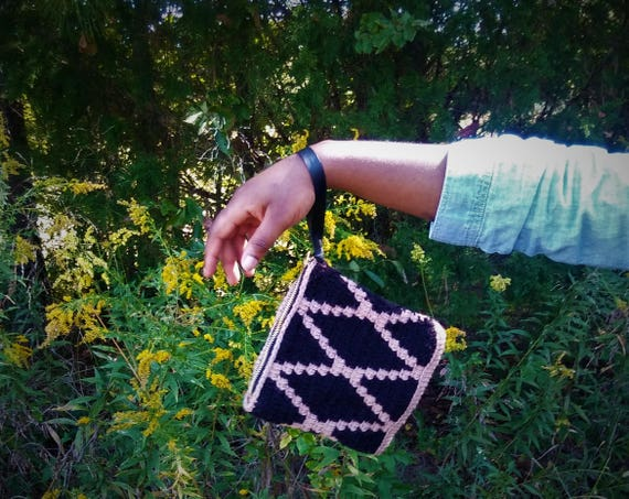Tapestry Crochet Wristlet bag (CHOOSE YOUR COLORS)