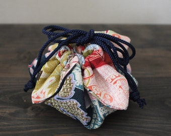 Kinchaku Purse, small kinchaku bag, small drawstring bag, Japanese fabric, reversible