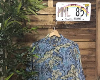 b5cabf54 Hawaiian Shirt Van Heusen Vintage 90's Islands Sea Mahalo Vintage Store