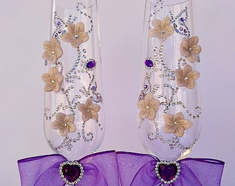 Champagne glasses, decorated glasses, toasting glasses, champagne flutes, purple glasses, wedding flutes, rhinestone glasses, wedding gift