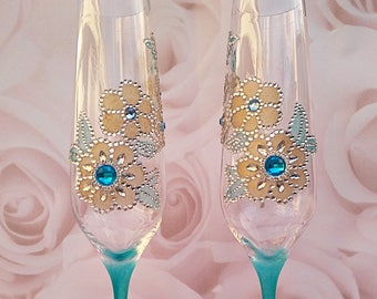 Champagne flutes, Wedding Toasting Flutes, Celebration glasses, wedding glasses, turquoise flute, wedding gift, toasting glasses, champagne