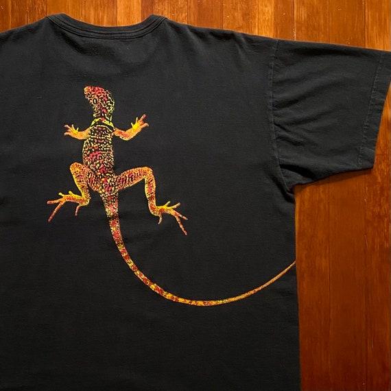 90s Marlboro Lizard T-Shirt. Vintage 1990s Marlbor