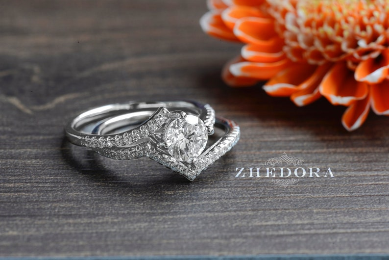 Wedding Set 1.5 CT Center Round Cut Engagement Ring Sterling Silver With Zigzag Accents Bridal Band