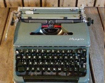 Olympia Deluxe Typewriter