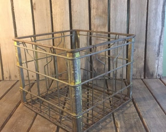 Vintage 1977 Stop and Shop Wire Crate