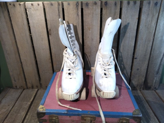 Vintage Roller Skates With Box And Key