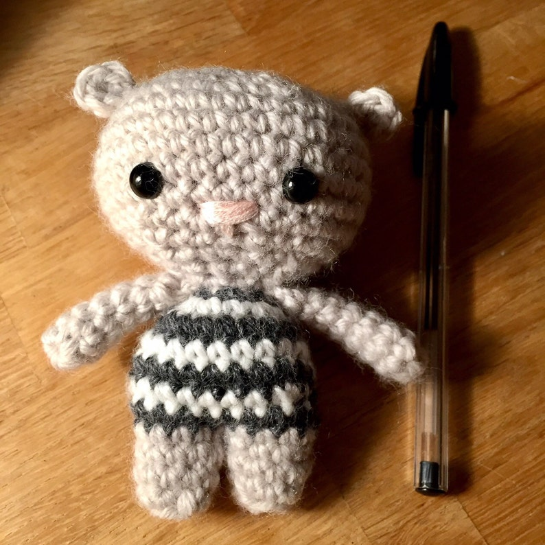 Teddy Bear Keychain Free Pattern – Tales of Twisted Fibers | 794x794
