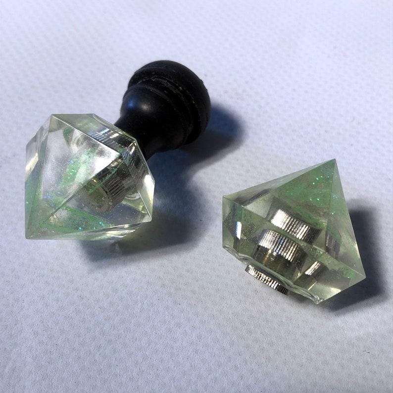 Diamonds valve caps / light green 6  metal flakes image 0