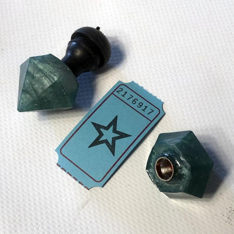 Diamonds valve caps / 2176917 image 0