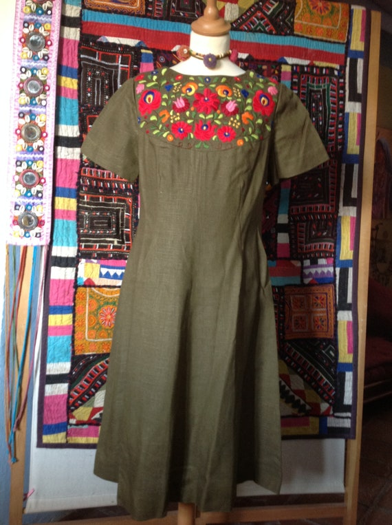 EMBROIDERED ETHNIC  boho mexican dress