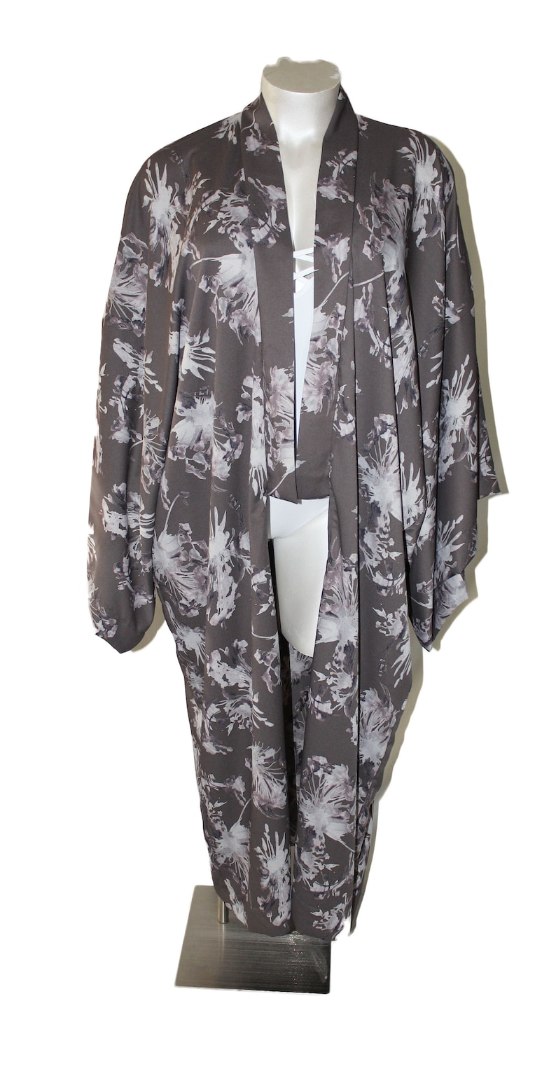 Pewter Floral Plus Size Kimono Duster Robe image 0
