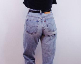 84f3e5d229de rad 90s vintage LEVI S 550 medium wash denim jeans sz 12 31 90s clothing  boyfriend jeans mom jeans hipster grunge 90s jeans