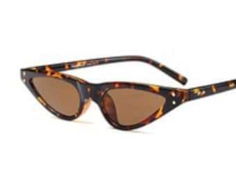 90'S TORTOISE SHELL SUNGLASSES